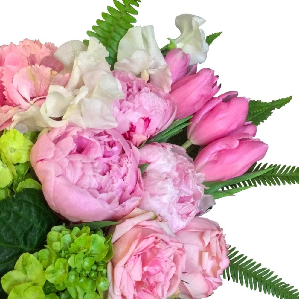 village-candle-floral