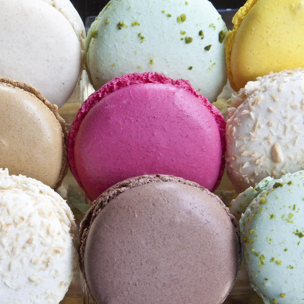 village-candle-french-macaron