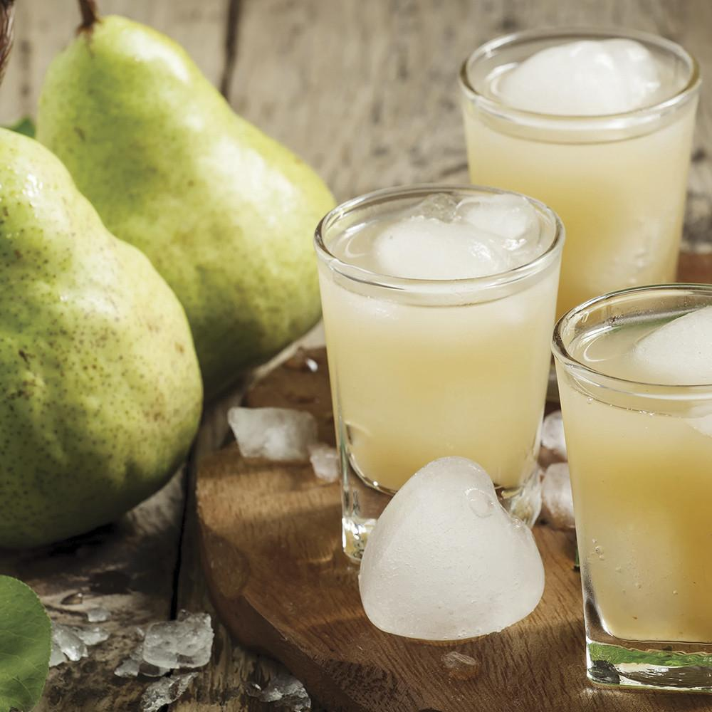 village-candle-ginger-pear-fizz