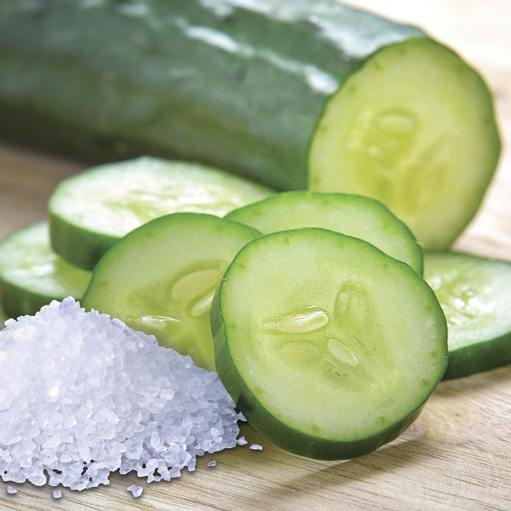 village-candle-sea-salt-cucumber