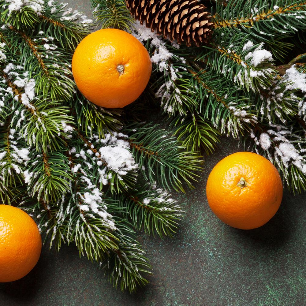 village-candle-winter-clementine